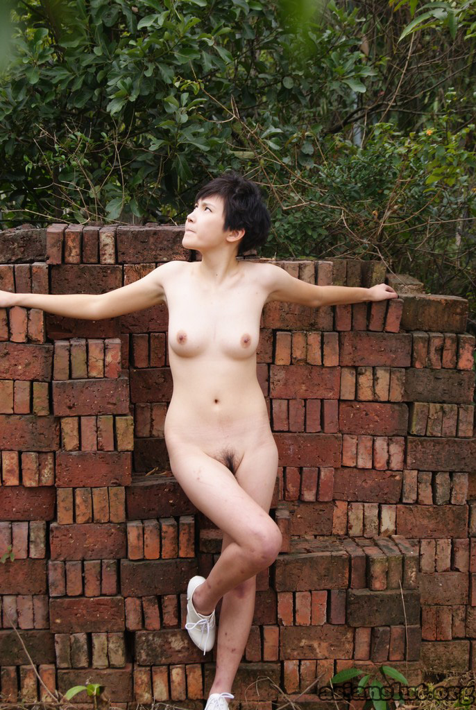 Chinese Model xiaoai outdoor Nude Photoshoot xiaoai