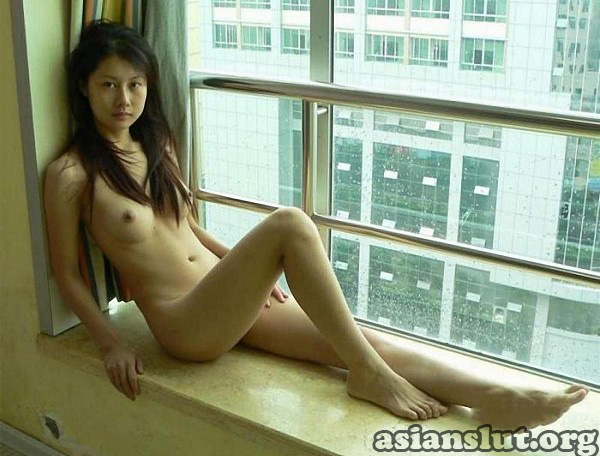 Slim chinese woman naked body photos