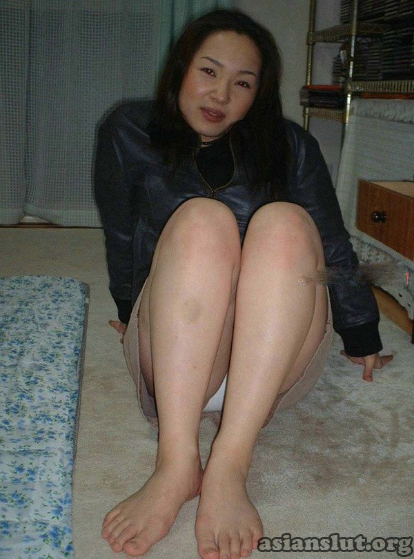 Asian chinese wife likes to suck dates25com