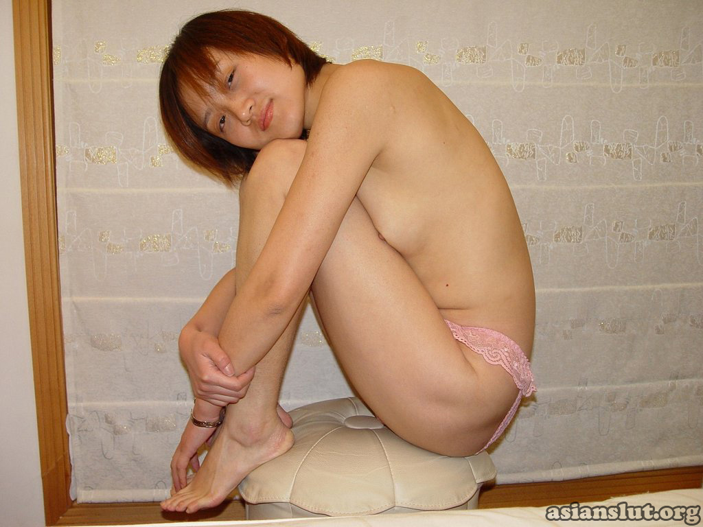 Chinese wife's home slutty costumes photos leaked