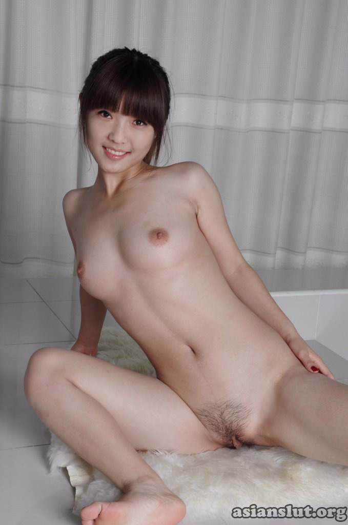 Cute chinese girl meng li masturbates on cam 1