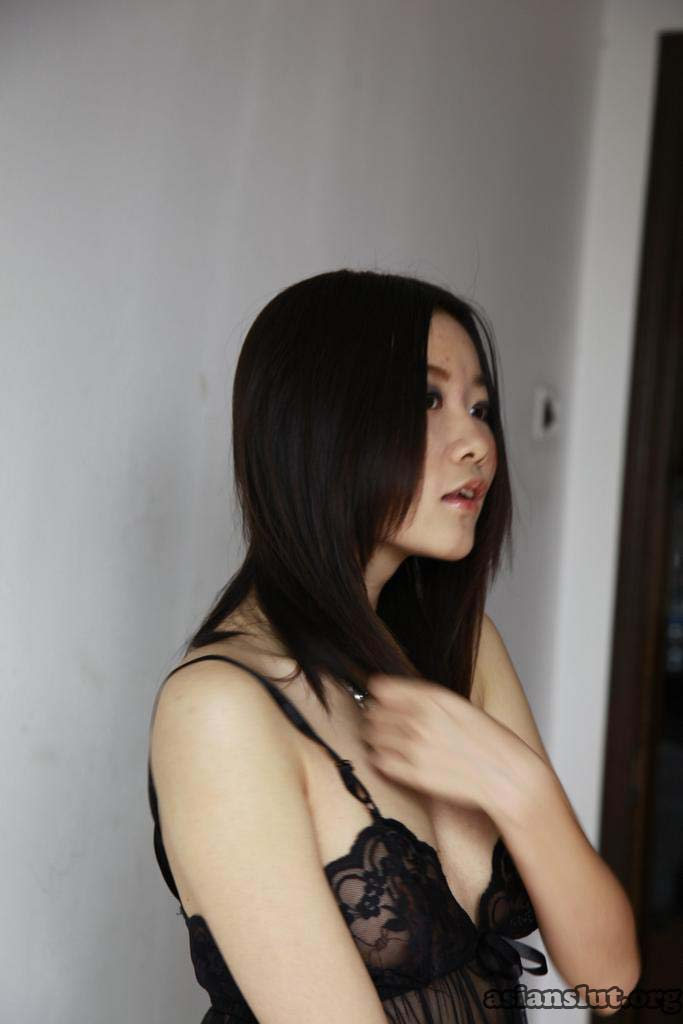 cut and petite chinese model xiaoyue post naked posting naked xiaoyue