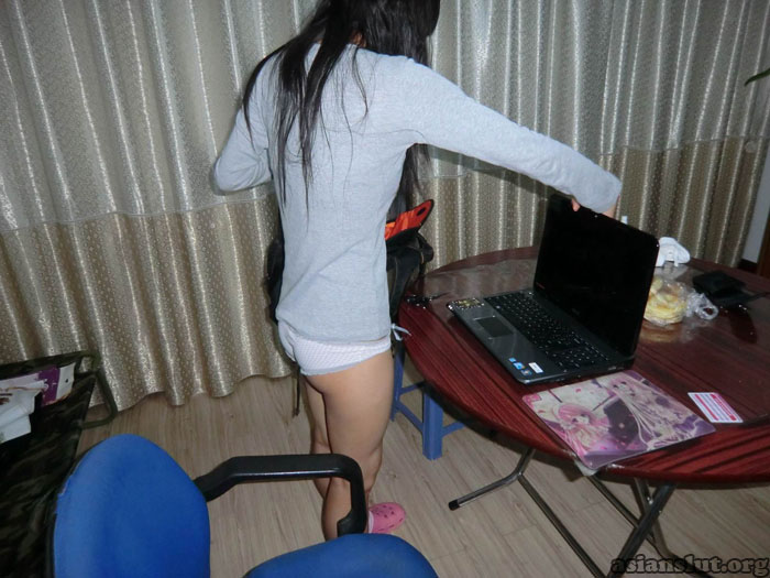 chinese girl Gets Her tight Pussy Nailed tight pussy chinese girl