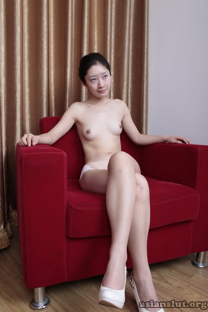 pretty chinese model xiaomei show her sexy body and pink pussy