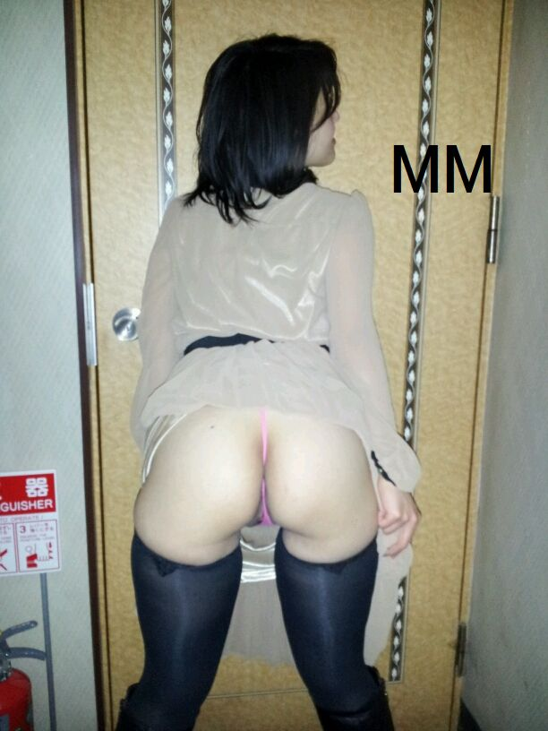 Super lovely Japanese girlfriend's pink pussy 010