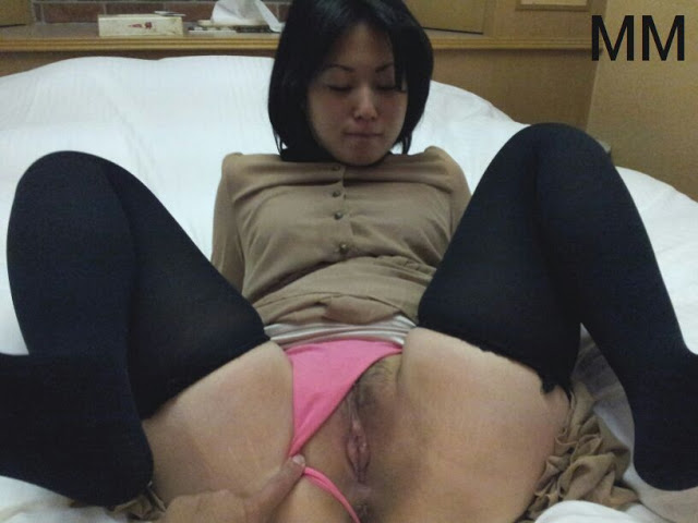 Super lovely Japanese girlfriend's pink pussy 020