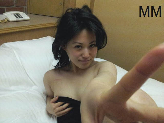Super lovely Japanese girlfriend's pink pussy 023