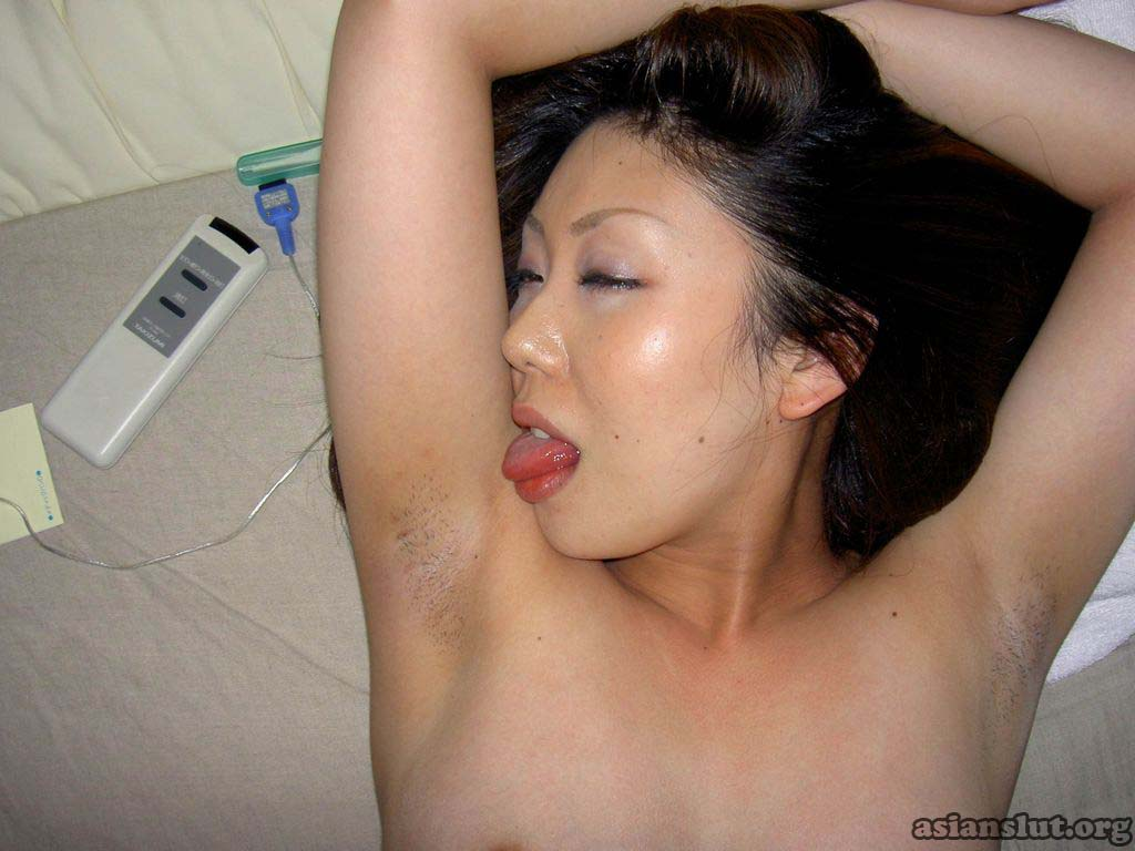 Sexy mature chinese woman sucking and fucking