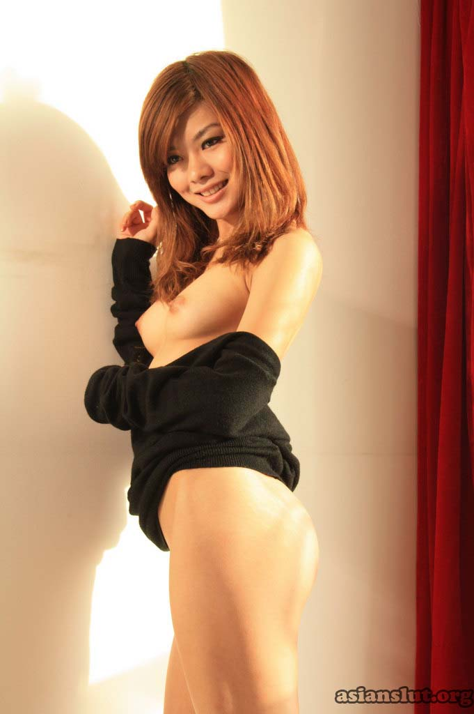 beautiful chinese model xiaowen with sweet smile show her nude Slender body and hairy pussy xiaowen sweet smile Slender body nude hairy pussy chinese model