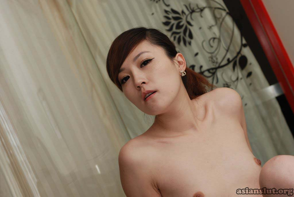 glamorous chinese model xixis  posting nude and slutty costume play photos xixi costume play