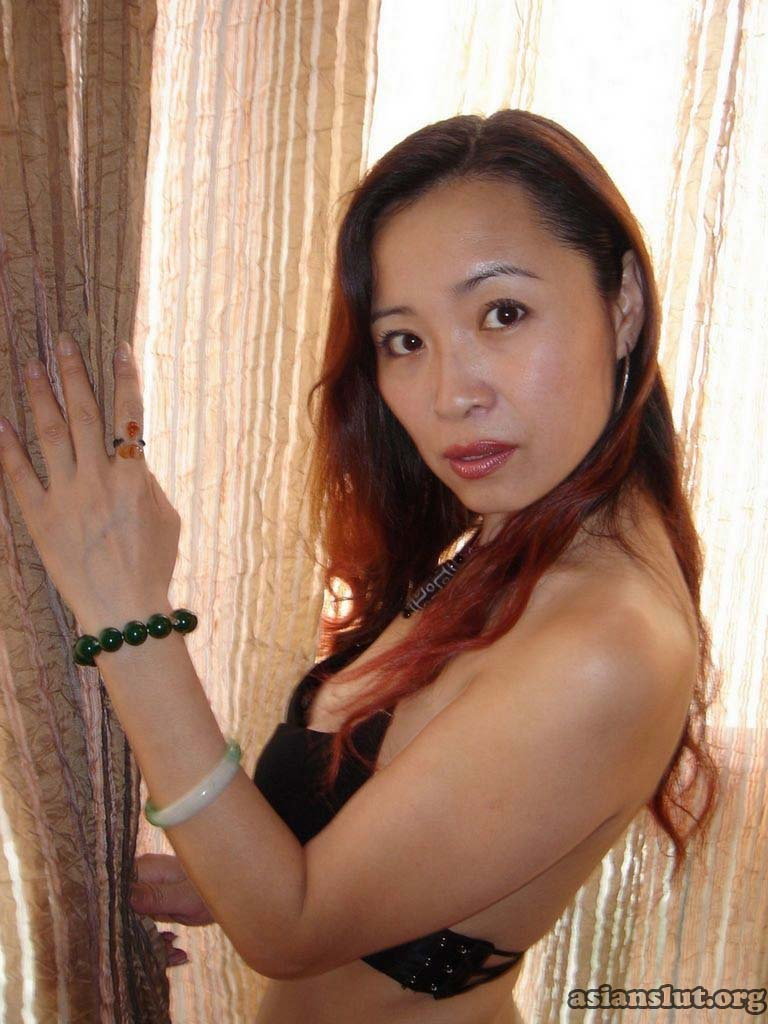 Hot porn pictures of mature naked asian woman showing wet cunt and sexy ass mature
