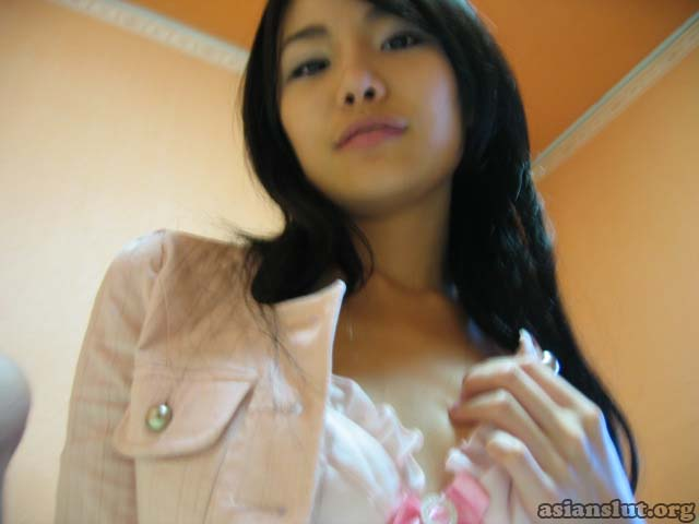 Skinny korean girlfriend With Small Tits Giving Blowjob Slender body cute