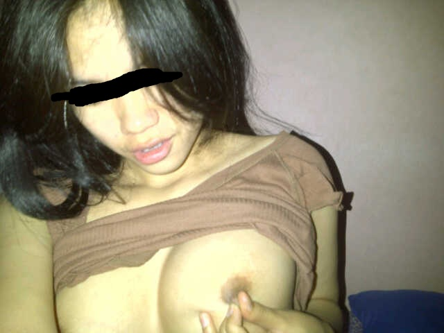 Cute Indonesian girl's naked self photos leaked  Solo nipples hairy pussy Amateur