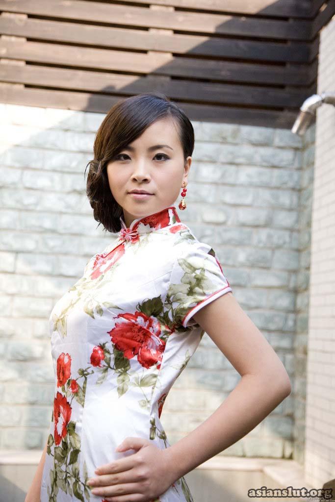 nude photos of Chinese model katy Cheongsam dress