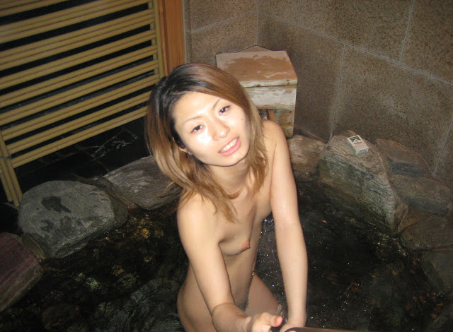 Cute Japanese girlfriend's wet pink pussy and blow job photos leaked