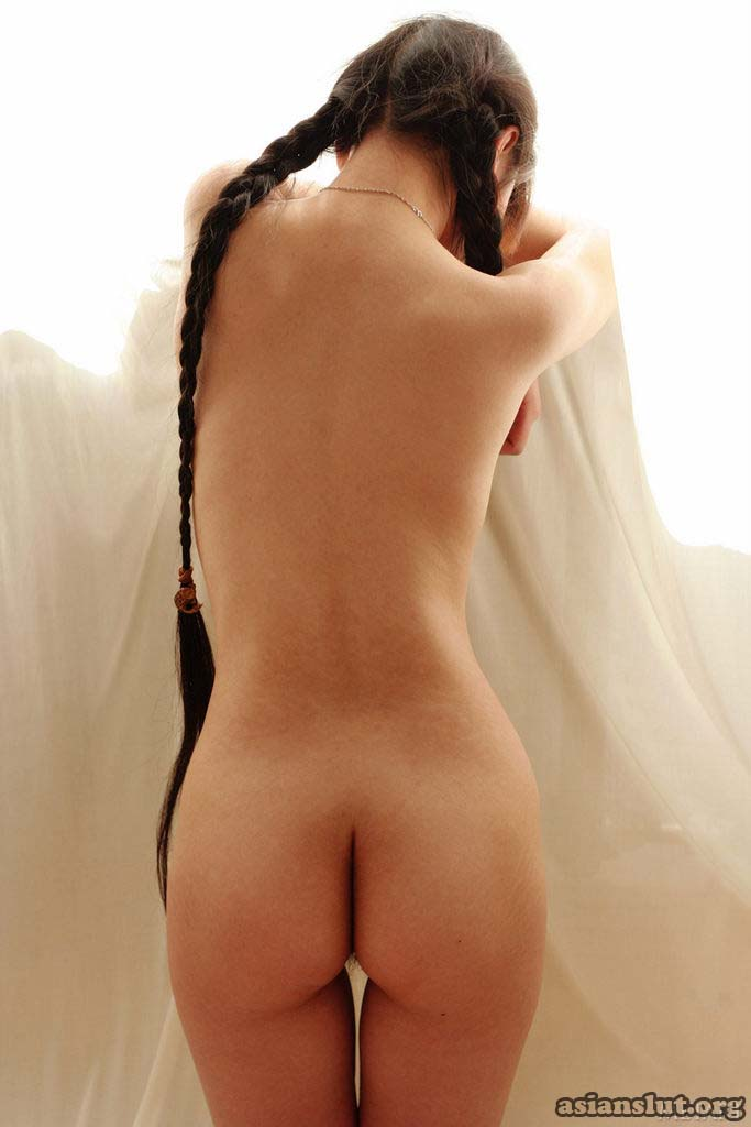 lovely long hair chinese model Jin Feifeis private nude photos