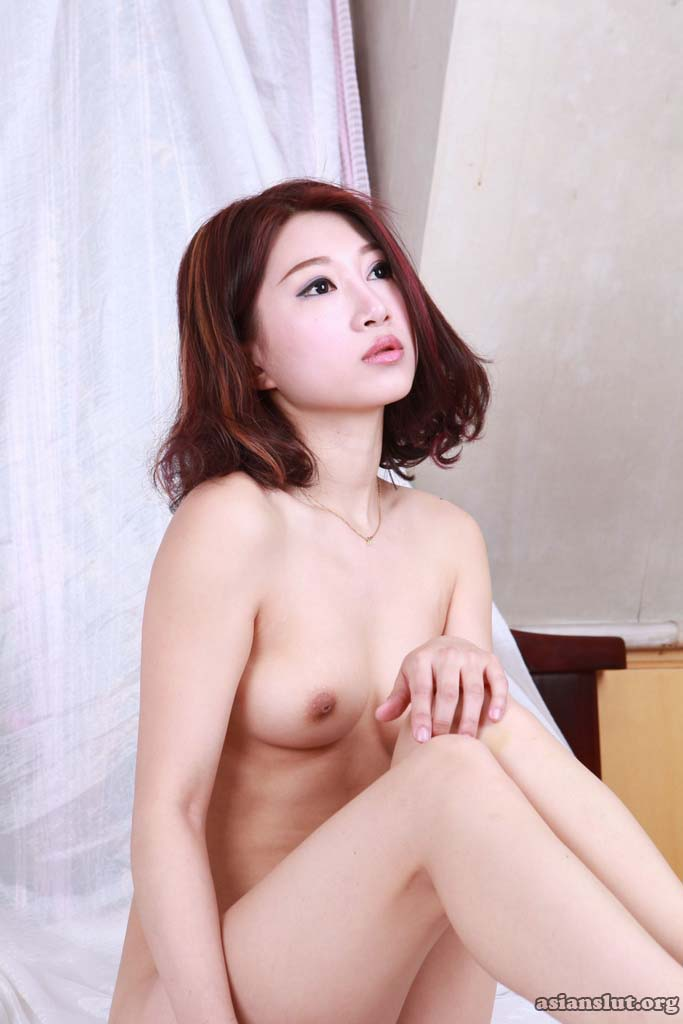 cute chinese model lulu  Showing Her nude bodyand  Shaved Pussy at Private Shoot