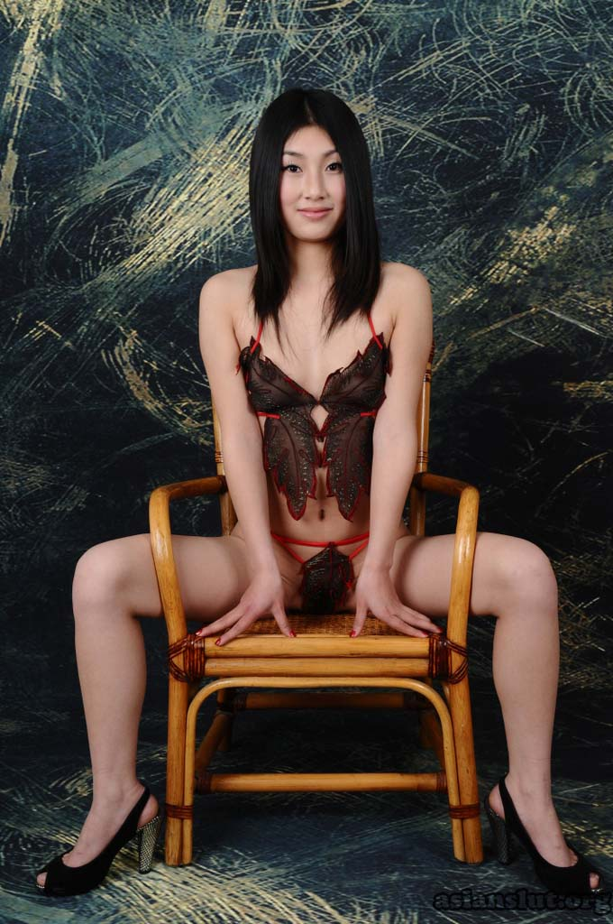 beautiful chinese model weiweis nude photos