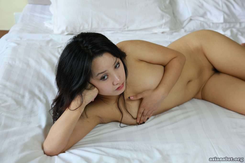 nude pics of naughty chinese model xiaji