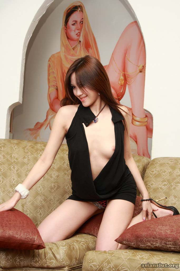 delicate and pretty chinese model xiaoman Strip off the dress to show her slim and sexy nude body Spreadeagle High Heels