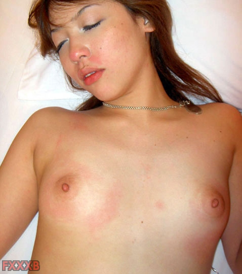 pretty  Japanese girlfriend show off pink nipple and sweet pussy