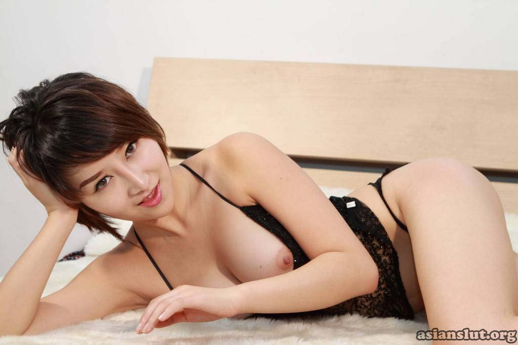 two naughty chinese girl posting nude
