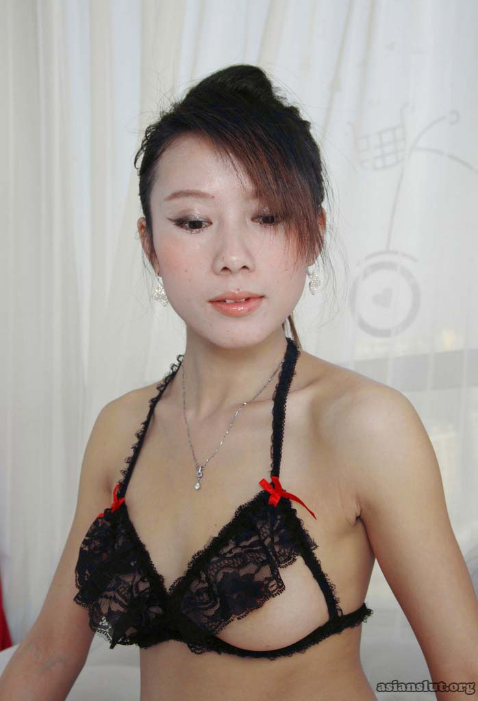 beautiful chinese model youyou strips and show off her sexy body stripping Solo Homemade Dress chinese model