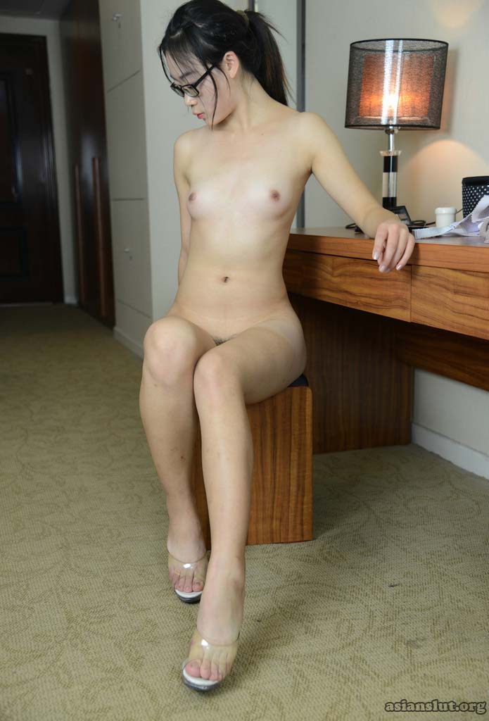 cute  chinese girl xinxin strips naked in hotel chinese model