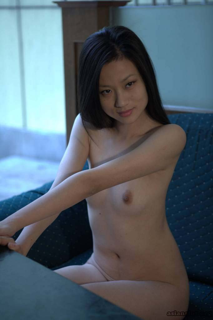 Gorgeous Chinese Model hu yuelan Posing Nude in a private photoshoot slim skirt outdoor nude honry home made Amateur