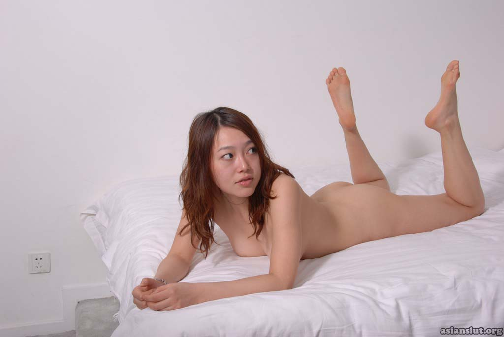 pretty chinese nude model xiaoyan show her slim body Solo High Heels exposing