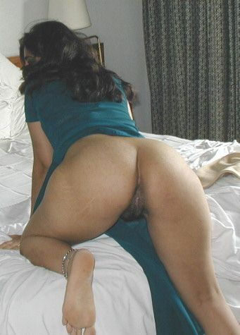 mature Pakistani wife's cum stained pussy,anus and dirty sex photos leaked
