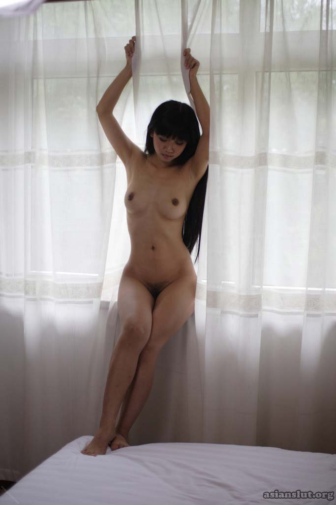 nasty chinese model show off her sexy nude nody