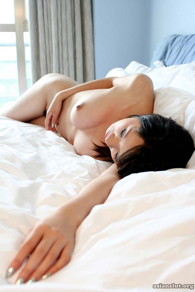pretty chinese model sandy pose nude chinese model Babe asian Amateur