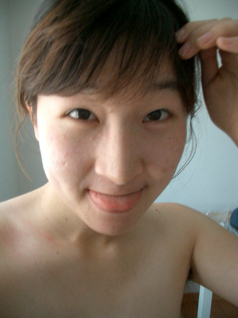 Korean prestigious university sisters(older sister Kim myo jo & younger sister Kim cho rong)' self catering naked photos leaked