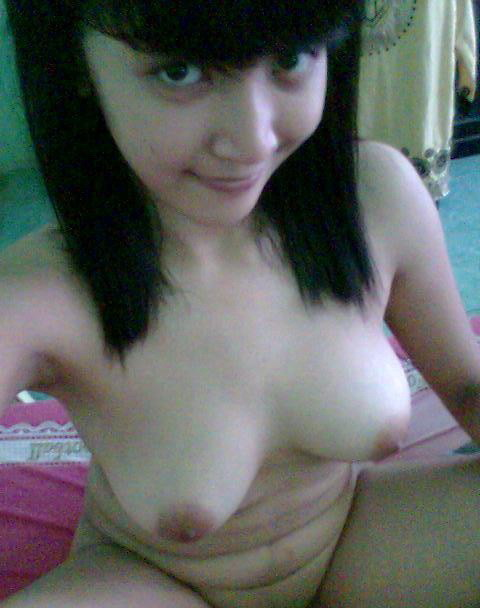 Super Cute Indonesian girl's big boobs and pink pussy self photos leaked Solo Homemade Ethnic College Big Tits Asian Female