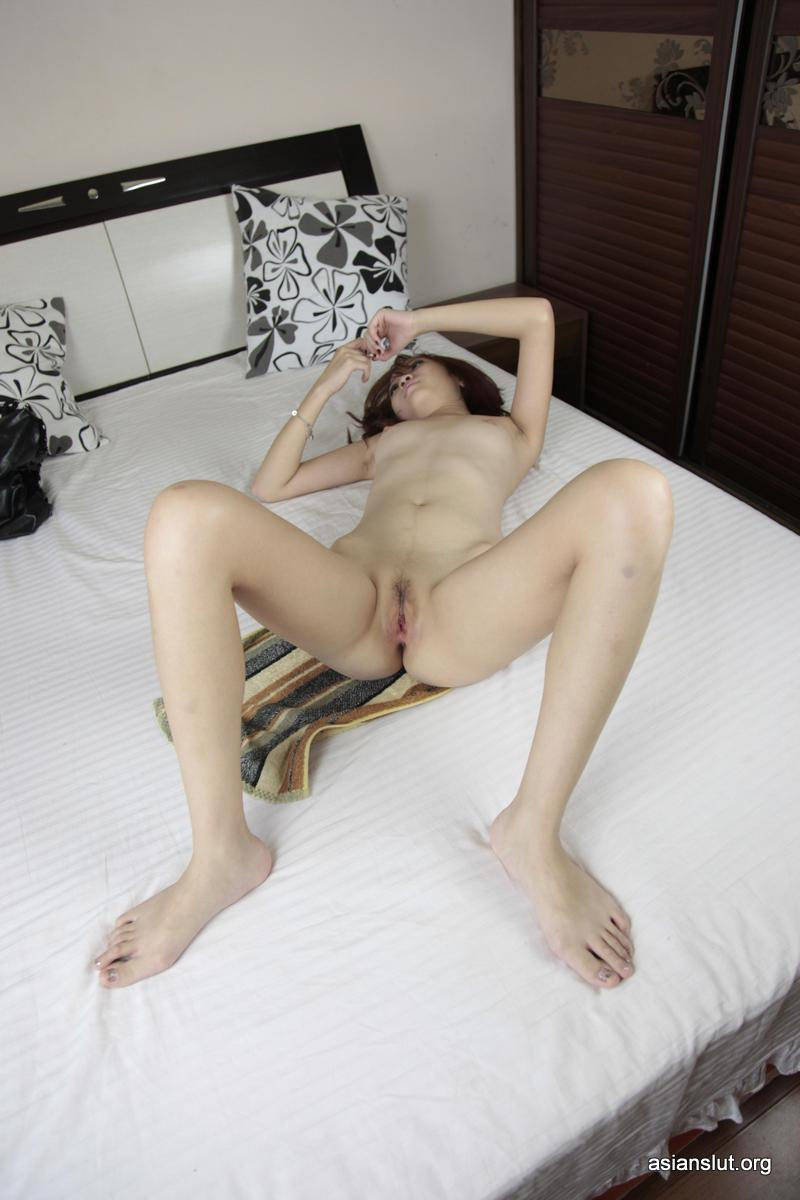 Amateur Asian Model sisi  Shows Her Shaved Pussy For Private Photoshoot porn lovely cute