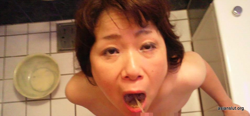 mature Japanese  wifes piercing pussy, boobs and fisting, sex photos leaked